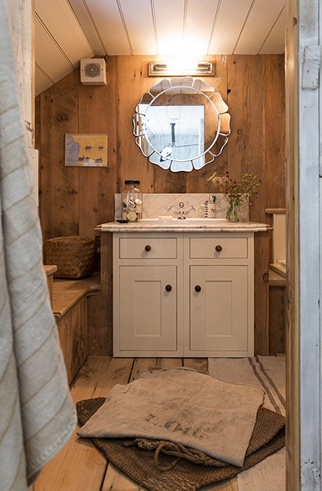 Barn-Bathroom-2