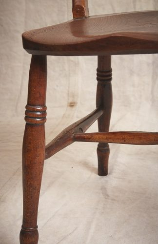 10-Four-Wooden-Chairs_8682