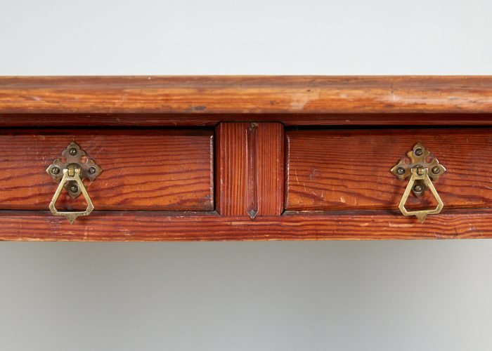 Blue-Leather-Desk-12