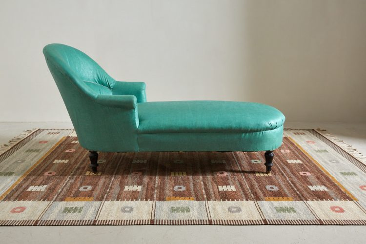Chaise with Rugs-0003