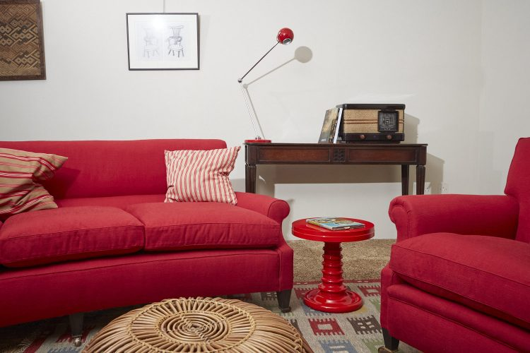 Curved-Hound-in-Red-SETUP-0015-1