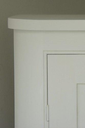 Curvey-Cupboard-detail
