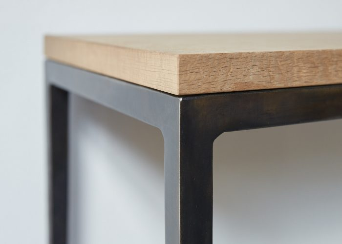 Frank Table 1-0006