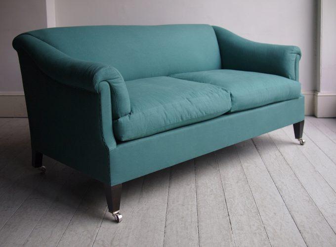 Howe Den Sofa