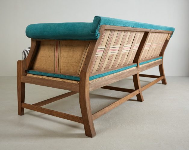 Greyhound Settee in Teal-0017