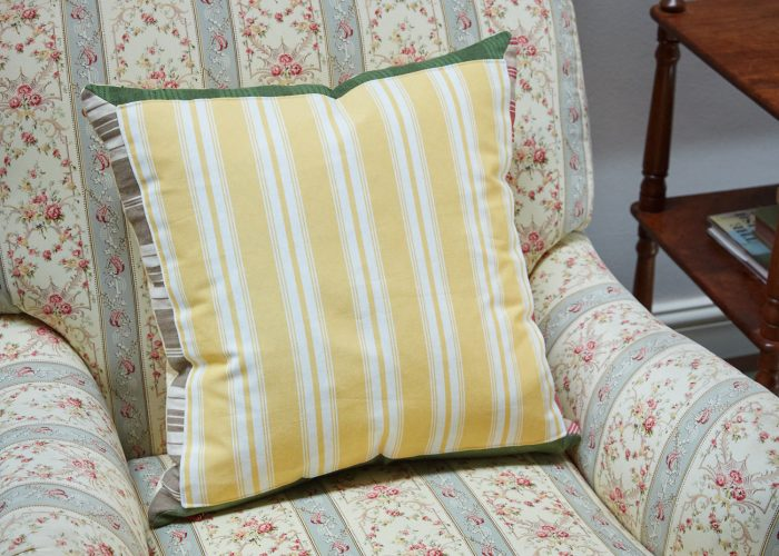 HB900217 – Lemon Stripe & Check Cushion (SS267)-0002