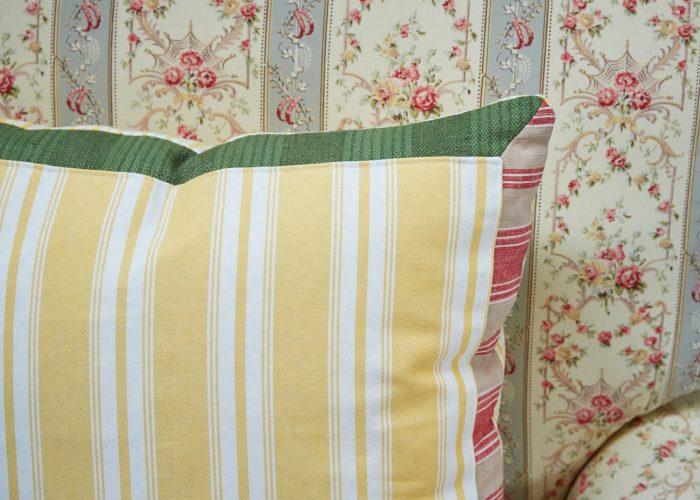 HB900217 – Lemon Stripe & Check Cushion (SS267)-0003