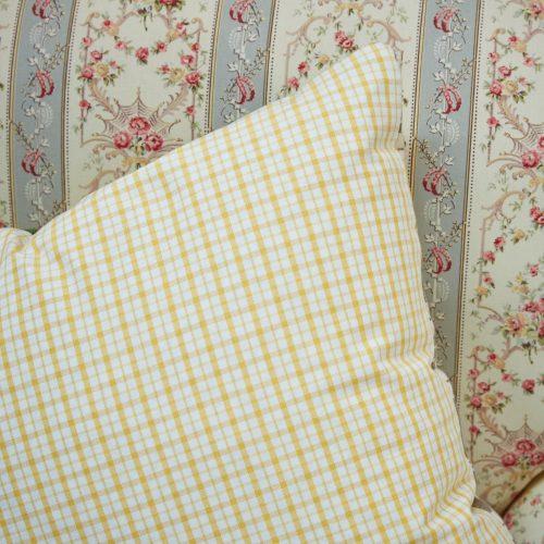 HB900217 – Lemon Stripe & Check Cushion (SS267)-0004