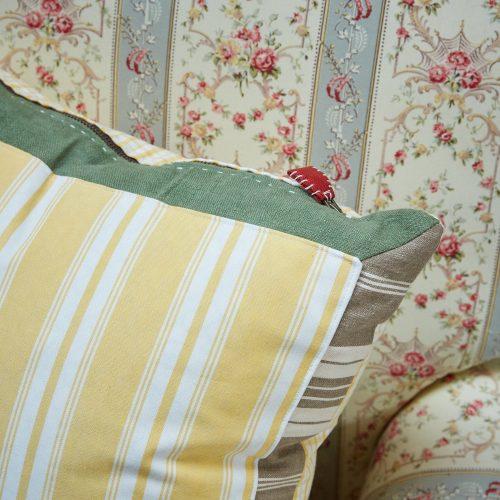 HB900217 – Lemon Stripe & Check Cushion (SS267)-0006