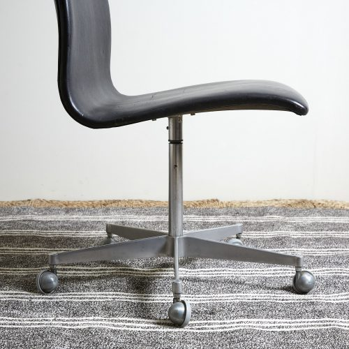 HL0198-Black-Leather-Office-Chair-0011