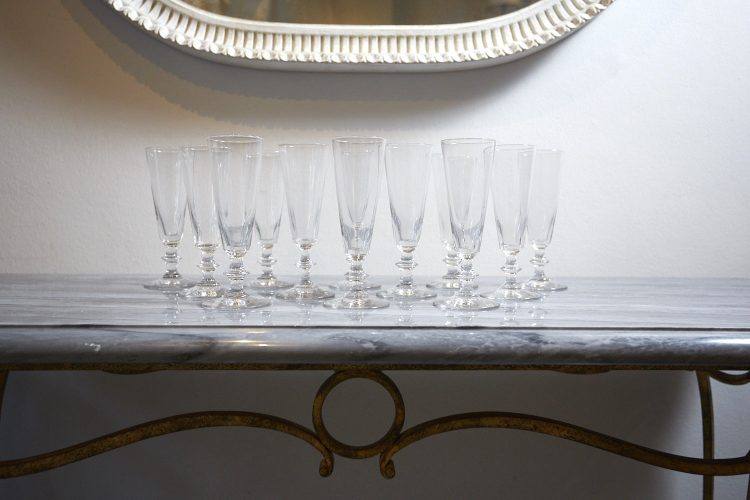 HL1776-12-x-C18th-Champagne-Flutes-0012-1-1