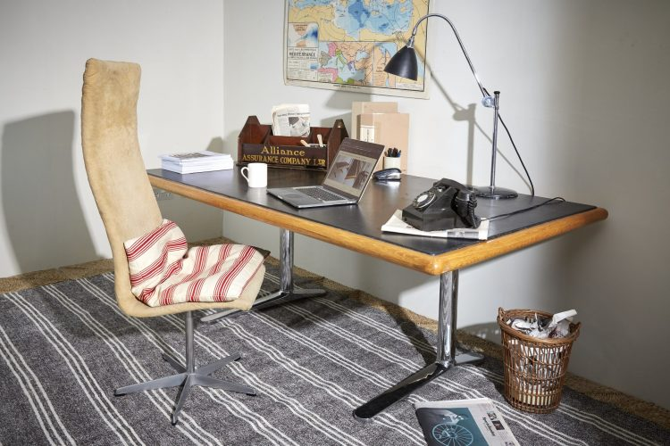 HL2709-Knoll-International-Desk-0030-1-scaled-1