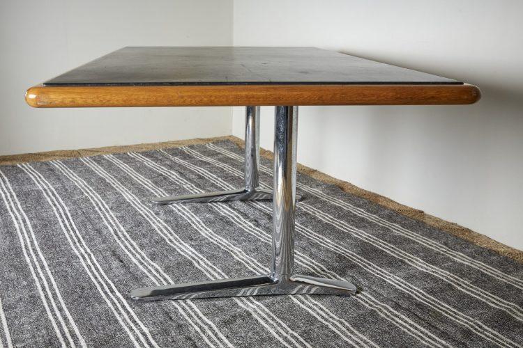 HL2709-Knoll-International-Desk-5