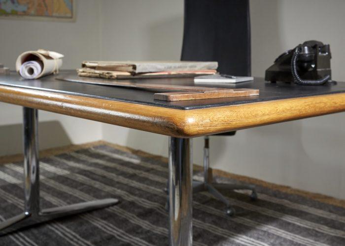 HL2709-Knoll-International-Desk-7