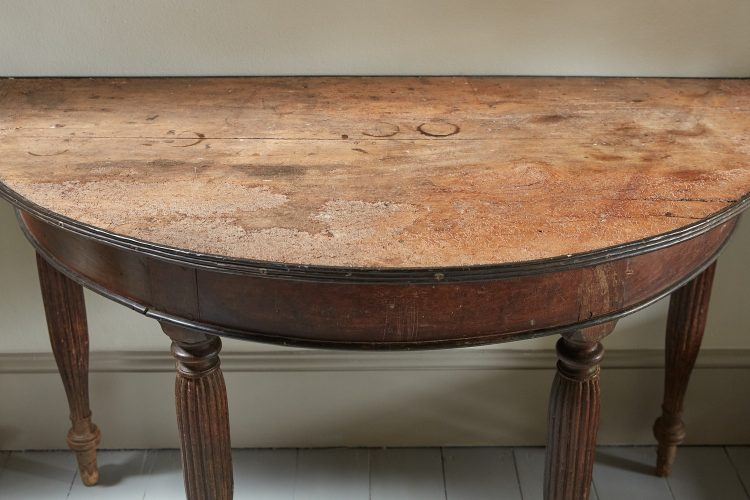 HL3035 – Demi Lune Anglo Indian Table-0006