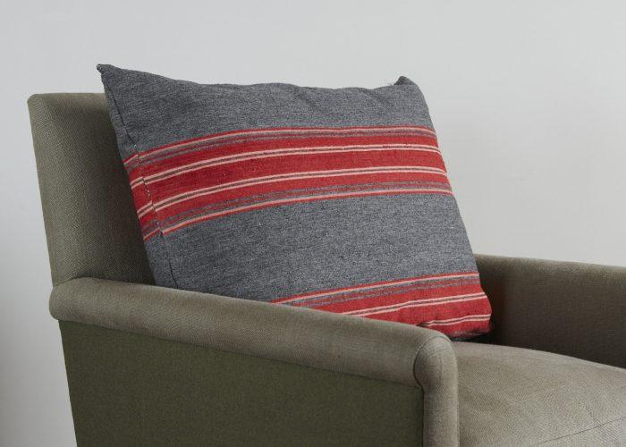 HL3569-Swedish-Pillow-BR754-0002-1