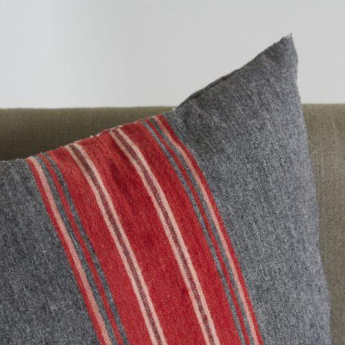 HL3569-Swedish-Pillow-BR754-0005