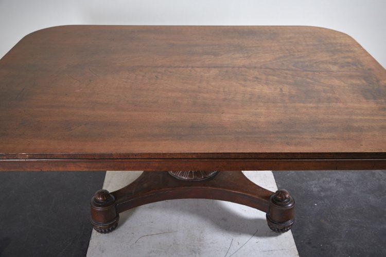 HL4057-Regency-Breakfast-Table-BW-0018