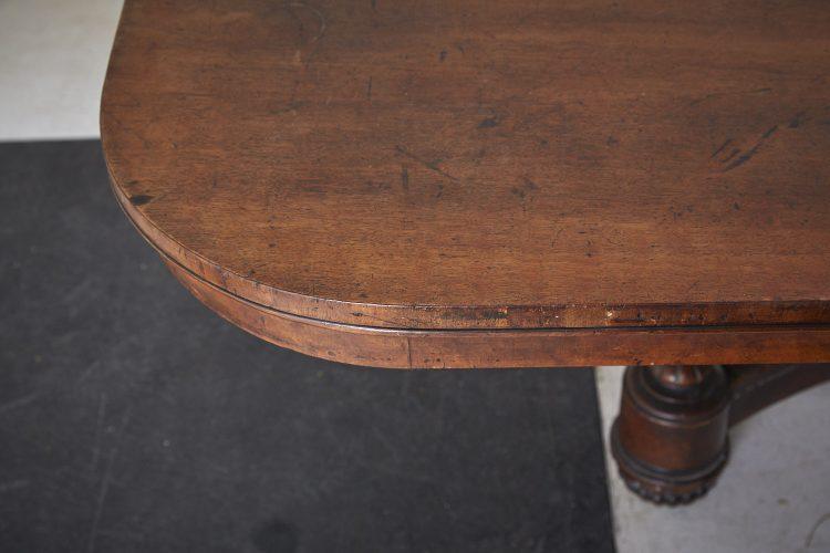 HL4057-Regency-Breakfast-Table-BW-0020