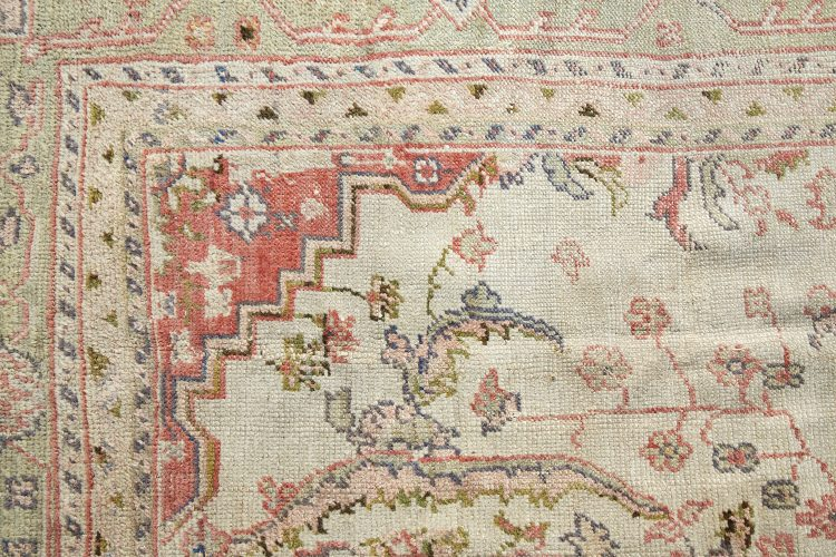 HL4095-Ushak-Carpet-2
