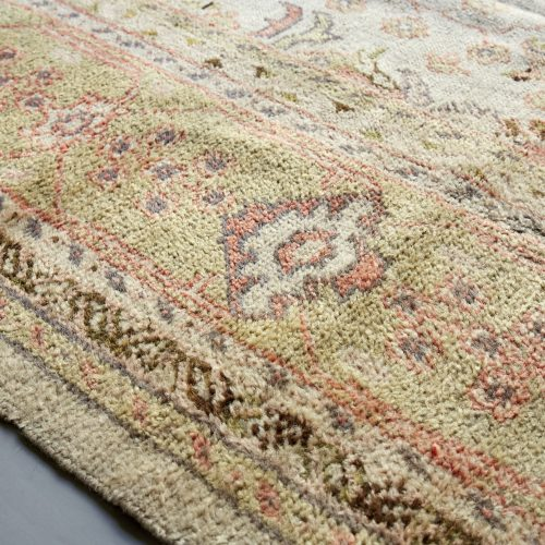 HL4095-Ushak-Carpet-3