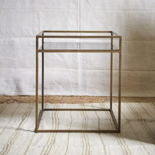HL4146-Brass-and-Black-Table-2