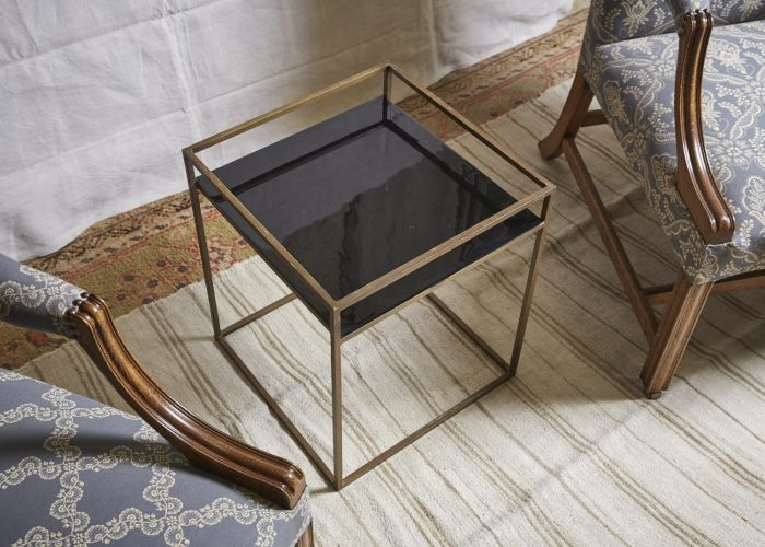 HL4146-Brass-and-Black-Table-3