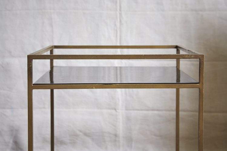 HL4146-Brass-and-Black-Table-4