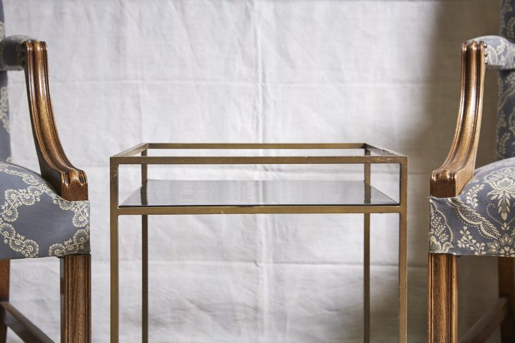 HL4146-Brass-and-Black-Table-6