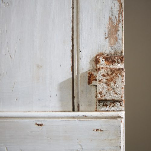 HL816 – Narrow Painted Pine Cupboard-0010