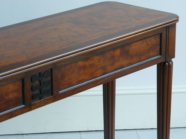 Irish Slim Table detail 1