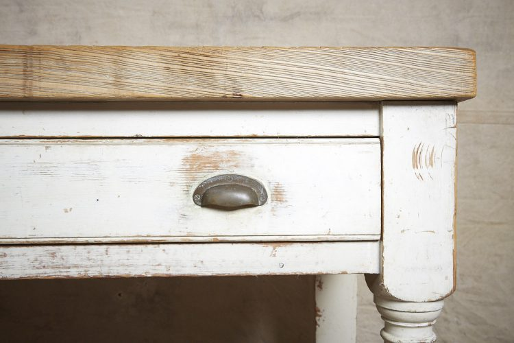 Kitchen-Counter-Table-0013