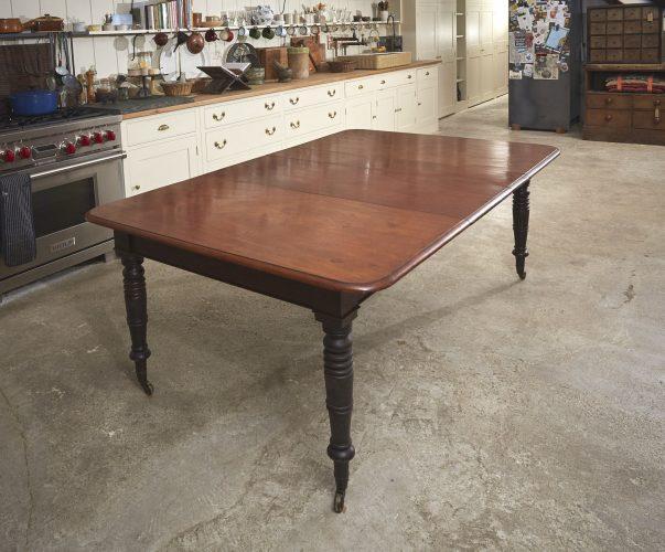 Mahogany-Kitchen-Table-0006