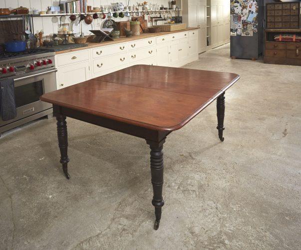 Mahogany-Kitchen-Table-0007