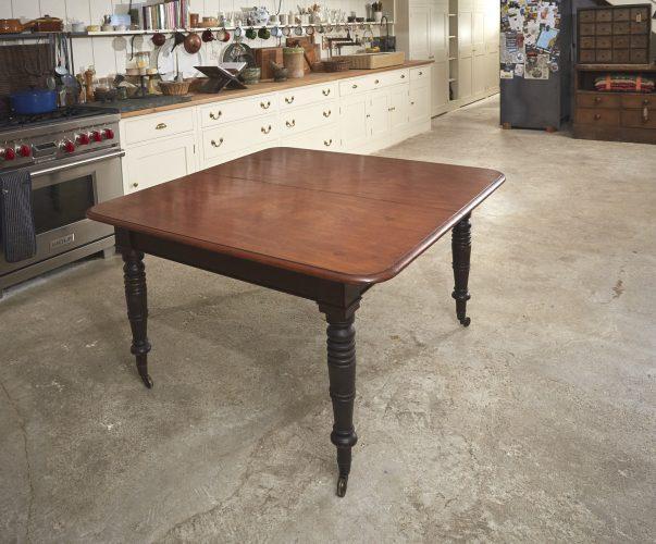 Mahogany-Kitchen-Table-0008