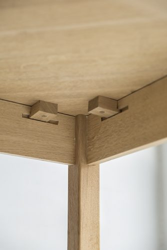 Oak-Breakfast-Table-Detail-2