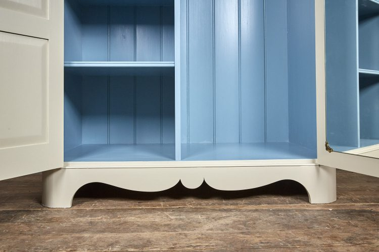 Painted-Curvey-Cupboard-0007