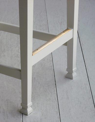 Pierced-Ladderback-leg-detail