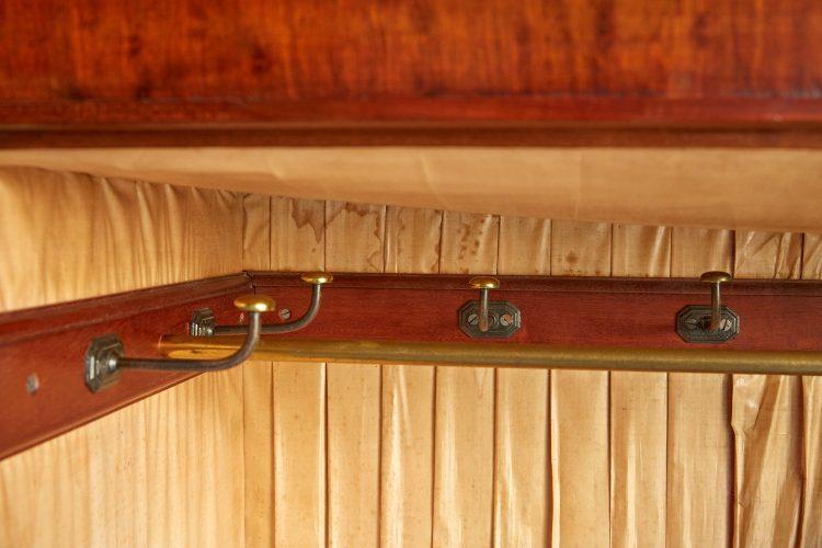 Plum-Mahogany-Cupboard-0011