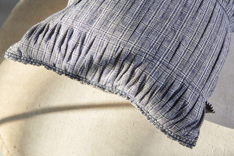SS185-Pleated-Songjian-Cushion-00092
