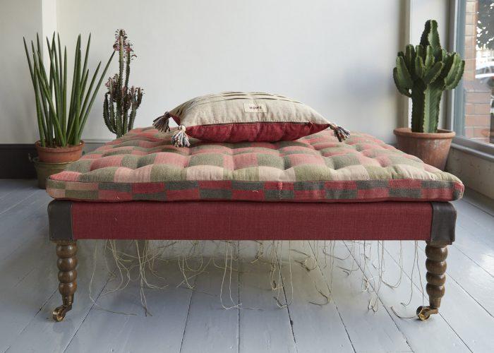 SS255-Irish-Linen-Cushion-0010