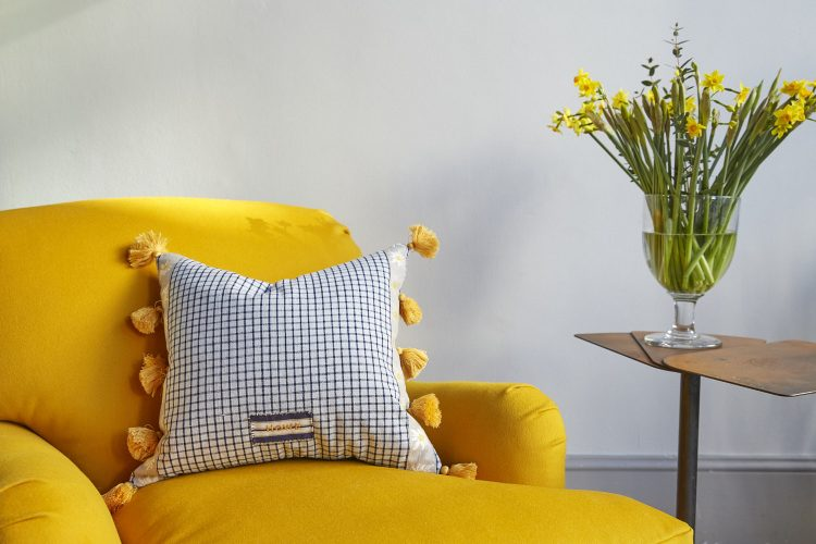 SS257-Edelweiss-Cushion-0004