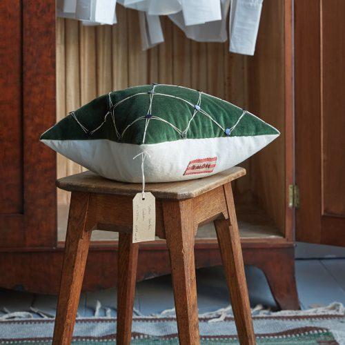 SS259 – Trellis Garden Cushion-0001