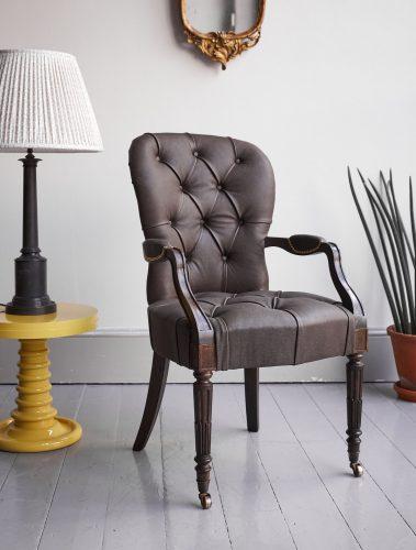 Salon Carver-Brown Leather-0003