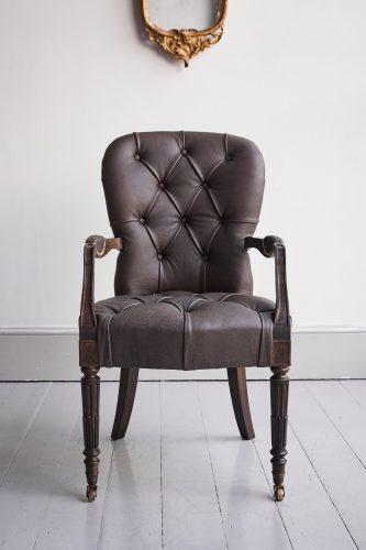 Salon Carver-Brown Leather-0007
