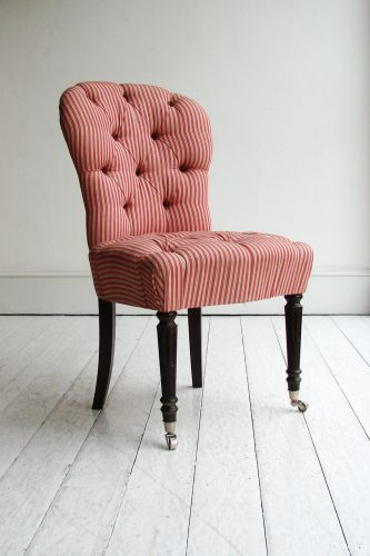 Salon-chair_red-stripe