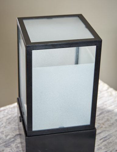 W5-Lantern-on-Table-0003