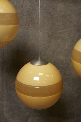 Yellow-Globe-Hanging-Lamps-8