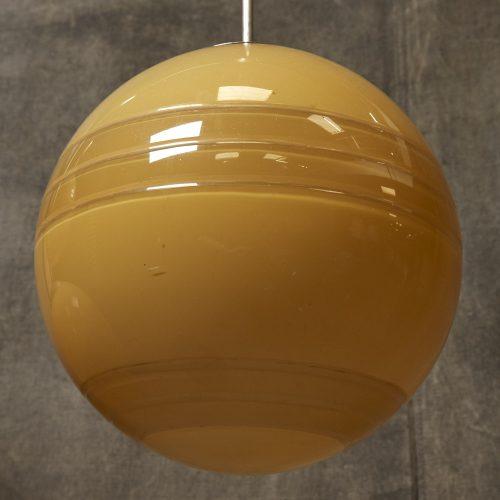 Yellow-Globe-Hanging-Lamps-9