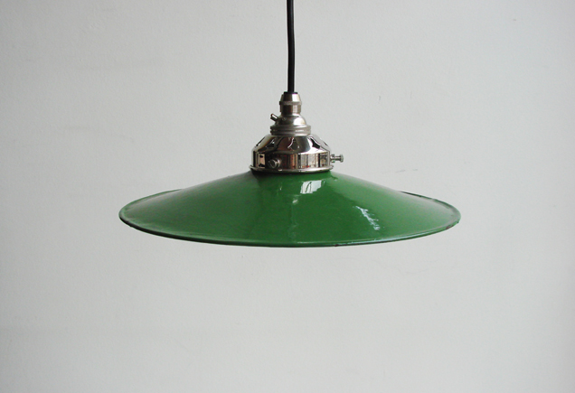 green_enameled_light_with_crome_fitting_web__11696-1